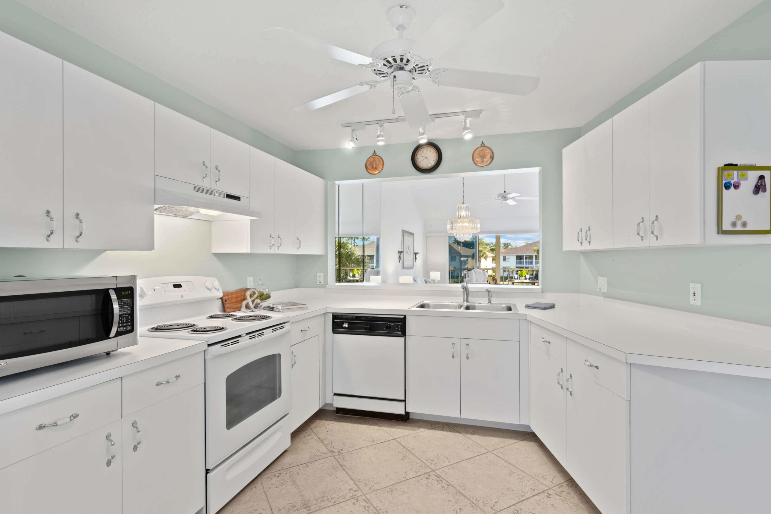 452 Belina Dr 1302 - Kitchen